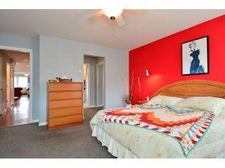 "Photo 8: 952 STEVENS Street: White Rock House for sale in ""White Rock Hillside"" (South Surrey White Rock)  : MLS®# F1440900"