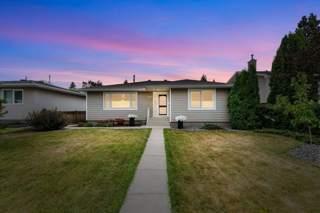 Main Photo: 3604 111A Street in Edmonton: Zone 16 House for sale : MLS®# E4255445