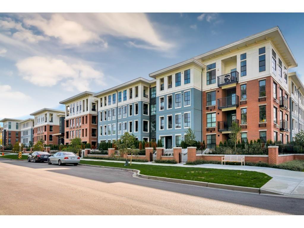 Main Photo: 306 15138 34 Avenue in Surrey: Morgan Creek Condo for sale (South Surrey White Rock)  : MLS®# R2437767