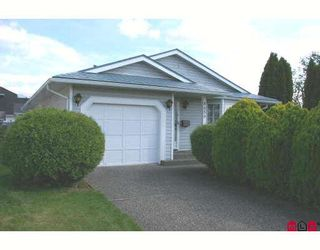 Photo 1: 8650 TILSTON Street in Chilliwack: Chilliwack E Young-Yale House for sale : MLS®# H2704373