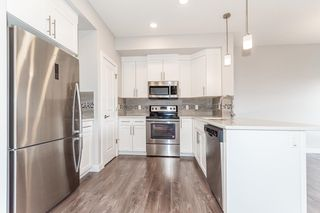 Photo 6: 1865 KEENE Crescent in Edmonton: Zone 56 Attached Home for sale : MLS®# E4259050