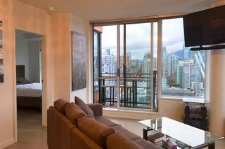 "Photo 7: 3307 33 SMITHE Street in Vancouver: Yaletown Condo for sale in ""COOPERS LOOKOUT"" (Vancouver West)  : MLS®# R2212690"