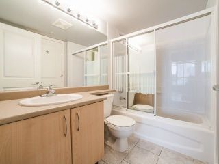 """Photo 10: 1903 3588 CROWLEY Drive in Vancouver: Collingwood VE Condo for sale in """"Nexus"""" (Vancouver East)  : MLS®# R2256661"""