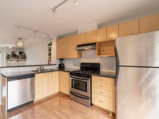 """Photo 7: 318 678 W 7TH Avenue in Vancouver: Fairview VW Townhouse for sale in """"LIBERTE"""" (Vancouver West)  : MLS®# R2575214"""