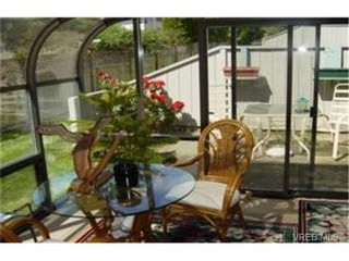 Photo 4: 8 1184 Clarke Rd in BRENTWOOD BAY: CS Brentwood Bay Row/Townhouse for sale (Central Saanich)  : MLS®# 341518