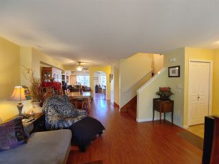"""Photo 5: 25 2351 PARKWAY Boulevard in Coquitlam: Westwood Plateau Townhouse for sale in """"WINDANCE"""" : MLS®# R2545095"""