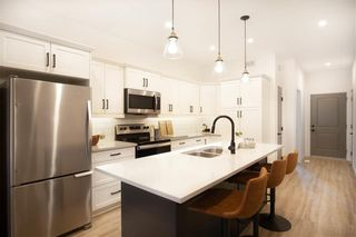 Photo 2: 90 Prairie Crossings Court in Niverville: R07 Condominium for sale : MLS®# 202122455