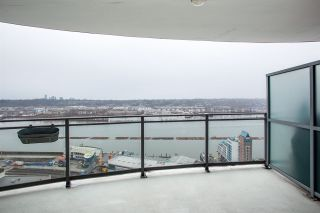 Photo 8: 3002 888 CARNARVON Street in New Westminster: Downtown NW Condo for sale : MLS®# R2431817