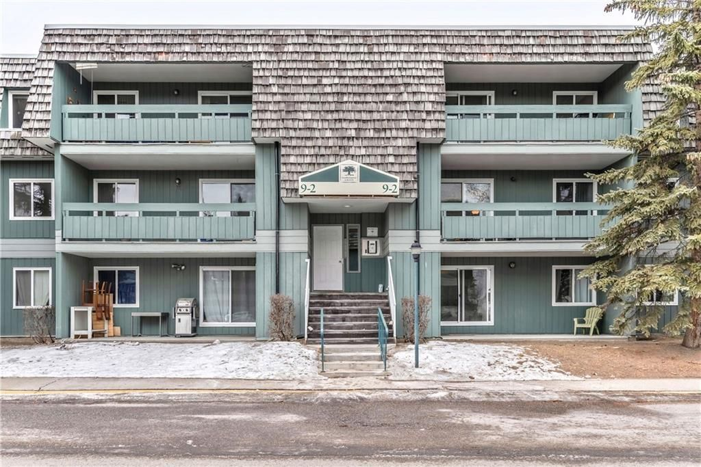 Photo 1: Photos: 9306 315 SOUTHAMPTON Drive SW in Calgary: Southwood Apartment for sale : MLS®# C4224686