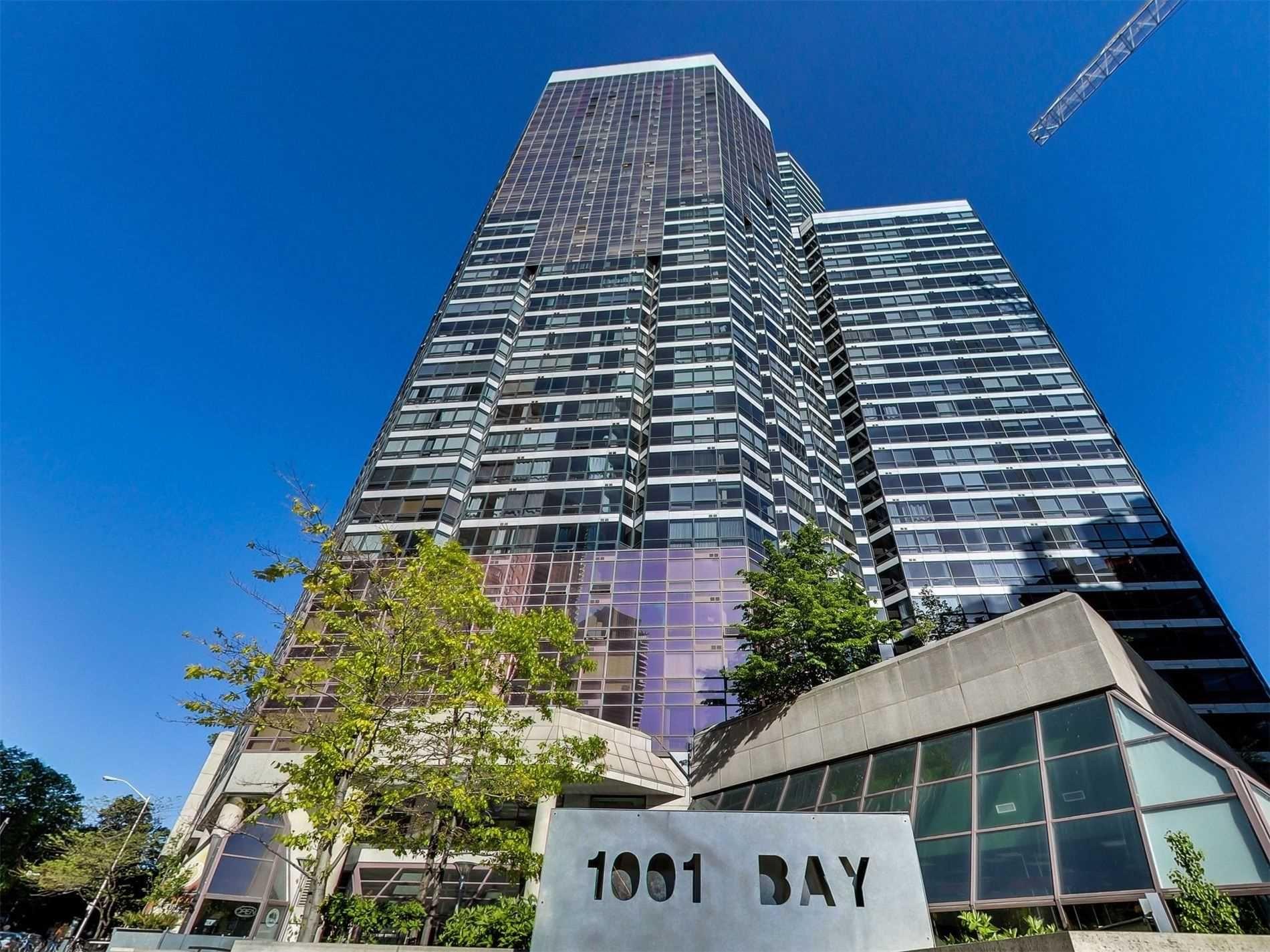 Main Photo: 813 1001 Bay Street in Toronto: Bay Street Corridor Condo for sale (Toronto C01)  : MLS®# C4706689