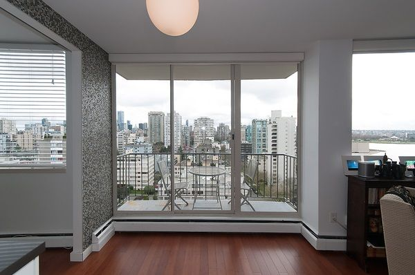 """Photo 9: Photos: 1601 2055 PENDRELL Street in Vancouver: West End VW Condo for sale in """"Panorama Place"""" (Vancouver West)  : MLS®# R2046981"""