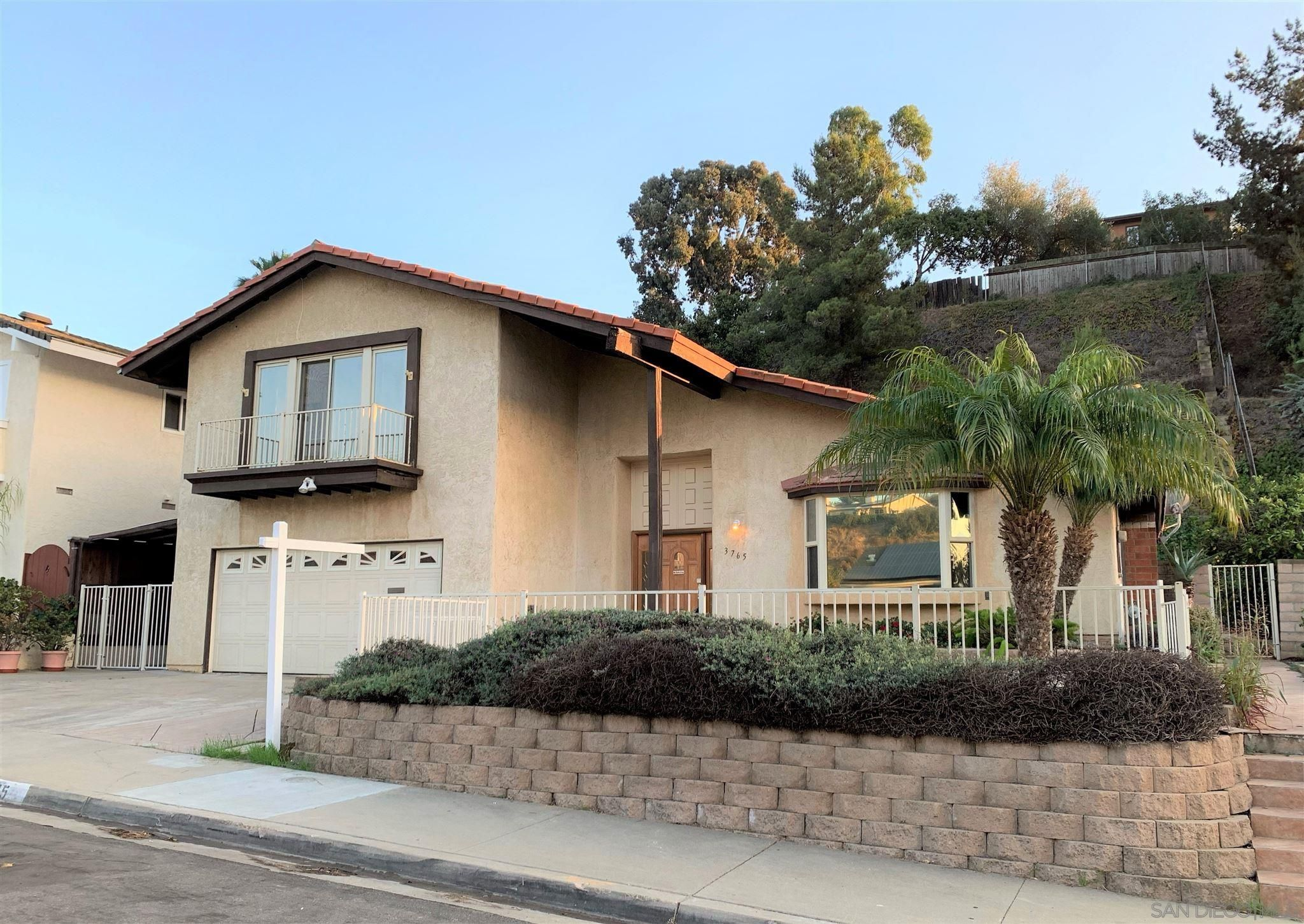 Main Photo: BAY PARK House for sale : 3 bedrooms : 3765 Sioux Ave in San Diego