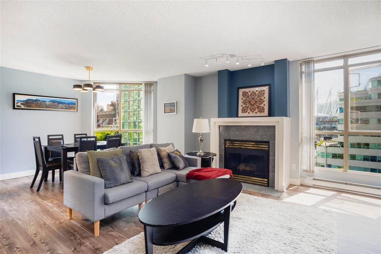 """Main Photo: 901 867 HAMILTON Street in Vancouver: Downtown VW Condo for sale in """"Jardine's Lookout"""" (Vancouver West)  : MLS®# R2588000"""