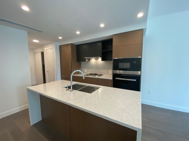 Photo 4: Photos: 110-469 W. King Edward in Vancouver: Marpole Condo for rent