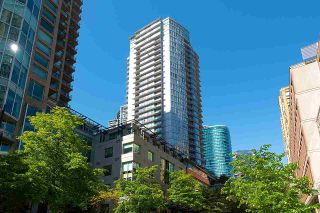 """Photo 2: 2203 833 HOMER Street in Vancouver: Downtown VW Condo for sale in """"Atelier on Robson"""" (Vancouver West)  : MLS®# R2590553"""