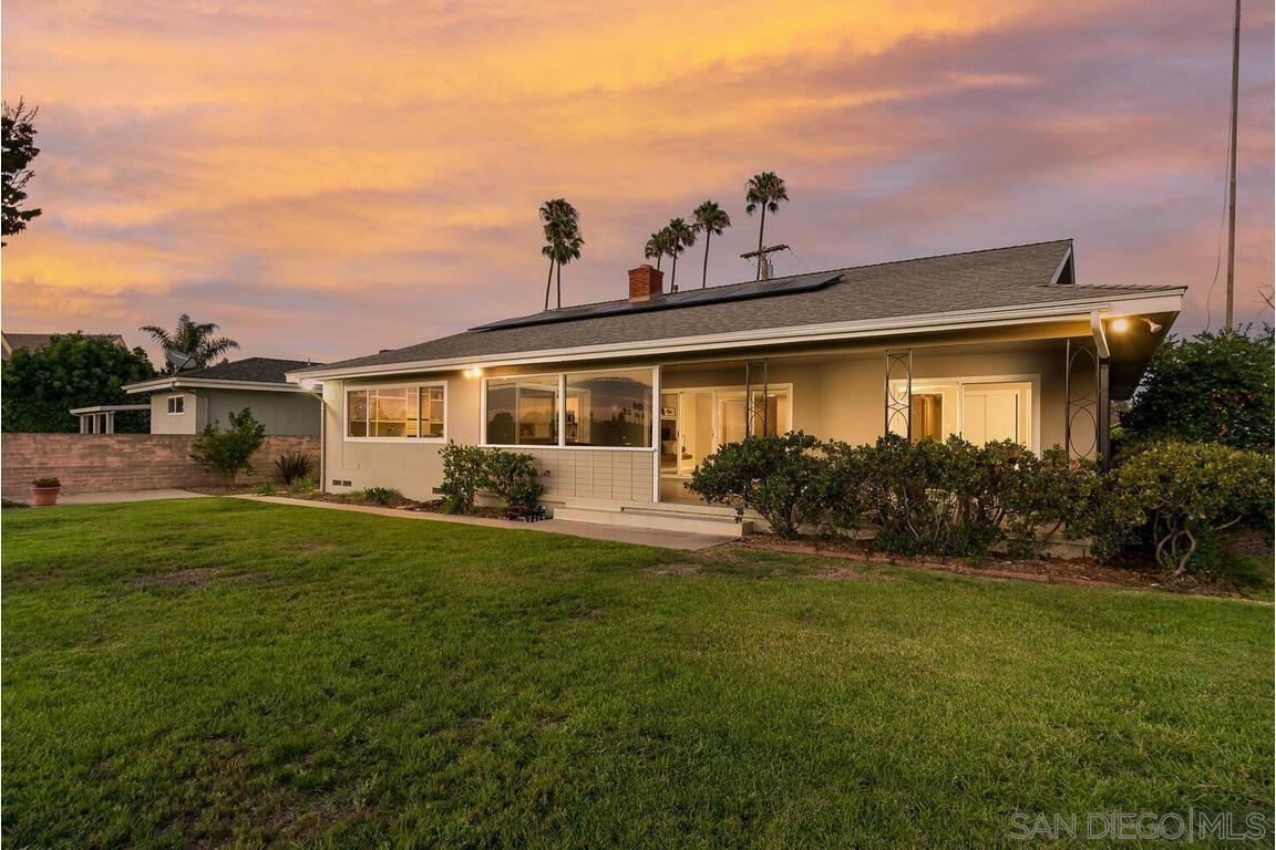 Main Photo: LA MESA House for sale : 3 bedrooms : 6734 Rolando Knolls Dr