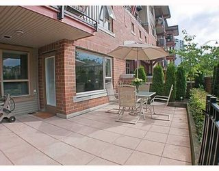 Photo 1: 200 Klahanie Drive in Port Moody: Condo for sale : MLS®# V783837