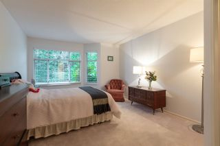 """Photo 13: 32 2672 151 Street in Surrey: Sunnyside Park Surrey Townhouse for sale in """"Westerlea"""" (South Surrey White Rock)  : MLS®# R2452535"""