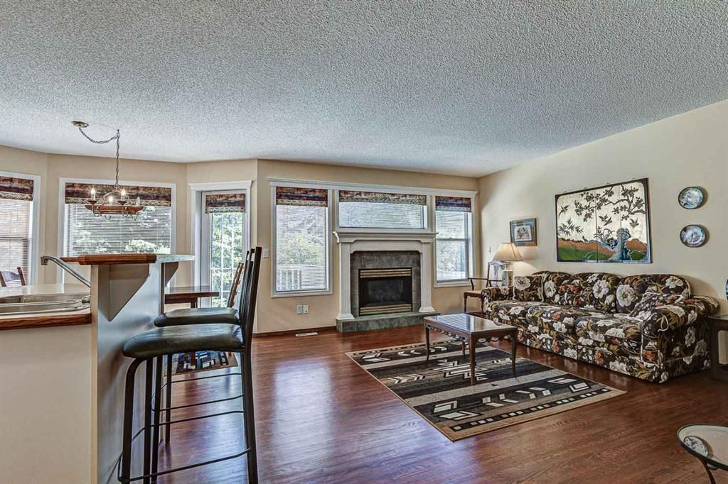 Photo 3: Photos: 127 Bridlewood Circle SW in Calgary: Bridlewood Detached for sale : MLS®# A1123607