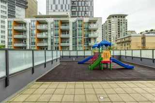 "Photo 3: 808 1155 SEYMOUR Street in Vancouver: Downtown VW Condo for sale in ""BRAVA!!!"" (Vancouver West)  : MLS®# R2508756"