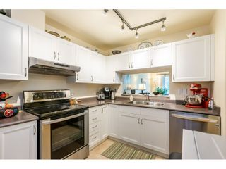 """Photo 8: 404 15991 THRIFT Avenue: White Rock Condo for sale in """"Arcadian"""" (South Surrey White Rock)  : MLS®# R2505774"""