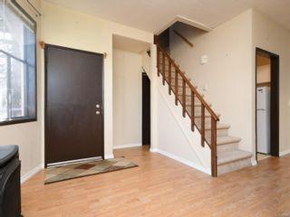Photo 3: 422 Powell St in : Vi James Bay Full Duplex for sale (Victoria)  : MLS®# 863106