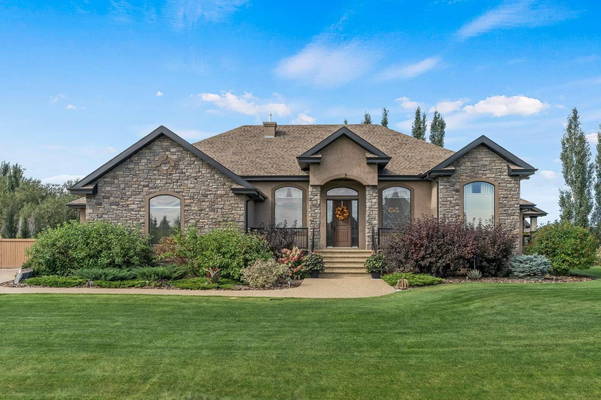 Main Photo: 507 MANOR POINTE Court: Rural Sturgeon County House for sale : MLS®# E4261716