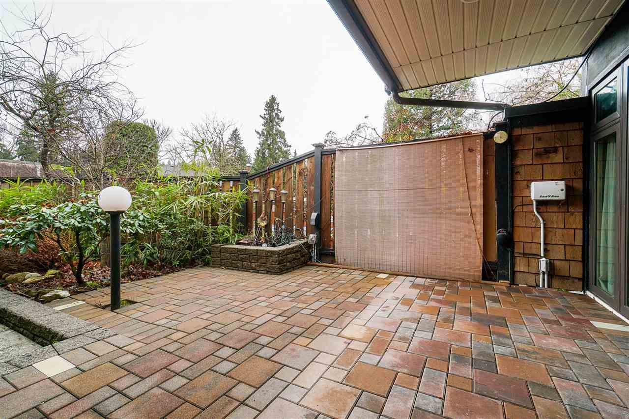 Photo 4: Photos: 4251 BRIDGEWATER Crescent in Burnaby: Cariboo Townhouse for sale (Burnaby North)  : MLS®# R2525864