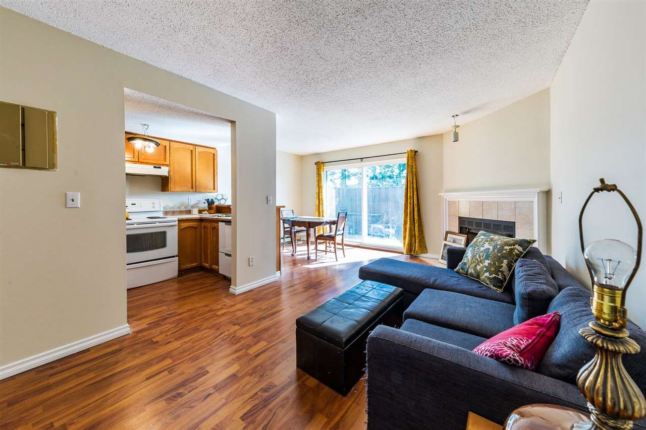 Main Photo: 101 11726 225 Street in Maple Ridge: East Central Townhouse for sale : MLS®# R2372367
