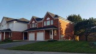 Photo 2: 149 10 Bassett Boulevard in Whitby: Pringle Creek Condo for lease : MLS®# E5397829