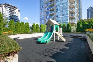Photo 17: 2108 2955 ATLANTIC AVENUE in Coquitlam: North Coquitlam Condo for sale : MLS®# R2308345