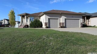 Photo 2: 3 Fairway Crescent in White City: Residential for sale : MLS®# SK870904