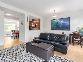 Photo 3: 22 40632 GOVERNMENT ROAD in Squamish: Brackendale Townhouse for sale : MLS®# R2189076