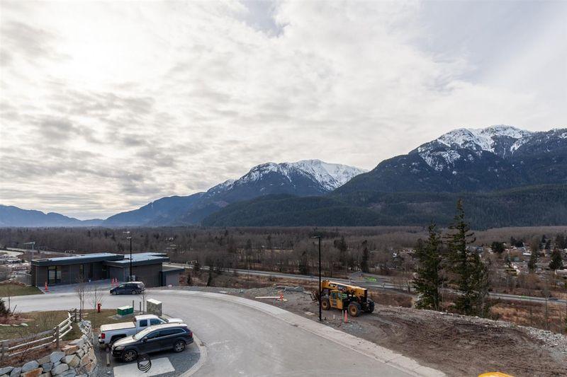 FEATURED LISTING: 41349 HORIZON Drive Squamish