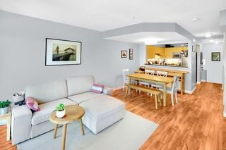 """Photo 4: 45 123 SEVENTH Street in New Westminster: Uptown NW Townhouse for sale in """"ROYAL CITY TERRACE"""" : MLS®# R2289295"""