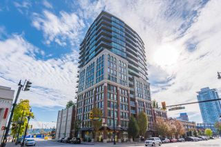 """Photo 1: 403 14 BEGBIE Street in New Westminster: Quay Condo for sale in """"INTERURBAN"""" : MLS®# R2410360"""