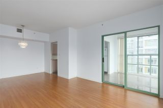 """Photo 6: 1706 909 BURRARD Street in Vancouver: West End VW Condo for sale in """"Vancouver Tower"""" (Vancouver West)  : MLS®# R2363575"""