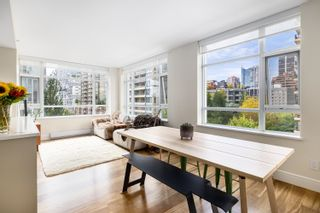 Photo 2: 604 988 RICHARDS STREET in Vancouver: Yaletown Condo for sale (Vancouver West)  : MLS®# R2611073
