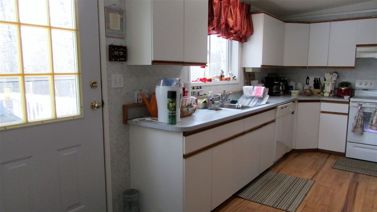 """Photo 9: Photos: 11141 BEATTIE Drive: Hudsons Hope Manufactured Home for sale in """"HUDSONS HOPE"""" (Fort St. John (Zone 60))  : MLS®# R2511397"""