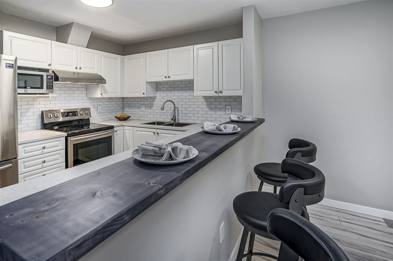 Main Photo: 309 12207 224 Street in Maple Ridge: West Central Condo for sale : MLS®# R2366478