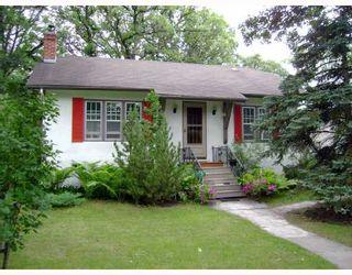 Photo 1: 137 LANARK Street in WINNIPEG: River Heights / Tuxedo / Linden Woods Residential for sale (South Winnipeg)  : MLS®# 2814634