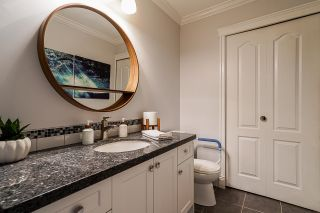 """Photo 8: 10 7250 122 Street in Surrey: East Newton Townhouse for sale in """"STRAWBERRY HILL"""" : MLS®# R2622818"""