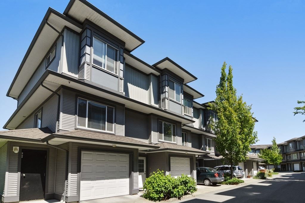 Main Photo: 74 18701 66 AVENUE in : Cloverdale BC Townhouse for sale : MLS®# R2181169