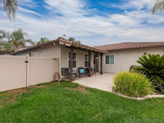Photo 2: EL CAJON House for sale : 5 bedrooms : 13942 Shalyn Dr