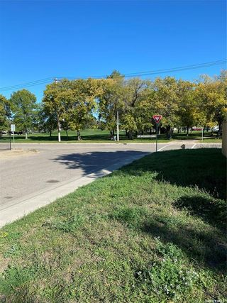 Photo 4: 504 K Avenue South in Saskatoon: West Industrial Residential for sale : MLS®# SK870227