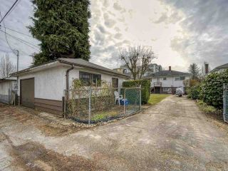 Photo 8: 3041 E 54TH Avenue in Vancouver: Killarney VE House for sale (Vancouver East)  : MLS®# R2548392