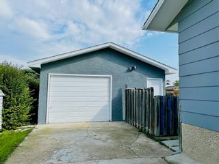 Photo 3: 244 Brown Avenue East in Dauphin: R30 Residential for sale (R30 - Dauphin and Area)  : MLS®# 202122711