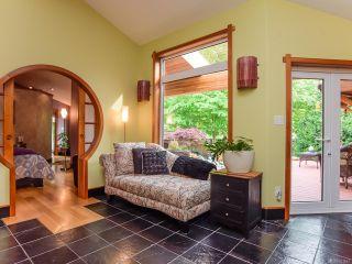 Photo 4: 330 MCLEOD STREET in COMOX: CV Comox (Town of) House for sale (Comox Valley)  : MLS®# 821647