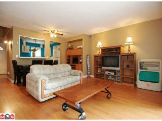 """Photo 5: 214 13628 67TH Avenue in Surrey: East Newton Townhouse for sale in """"HYLAND CREEK ESTATES"""" : MLS®# F1015063"""