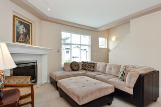 """Photo 4: 37 16760 61 Avenue in Surrey: Cloverdale BC Townhouse for sale in """"HARVEST LANDING"""" (Cloverdale)  : MLS®# R2282376"""